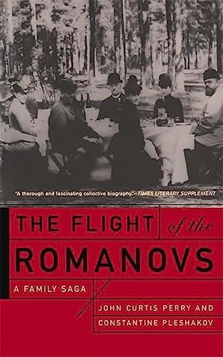 9780465024636: Flight Of The Romanovs A Family Saga