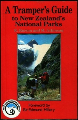 9780474002779: A Tramper's Guide to New Zealand's National Parks