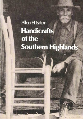 9780486222110: Handicrafts of the Southern Highlands