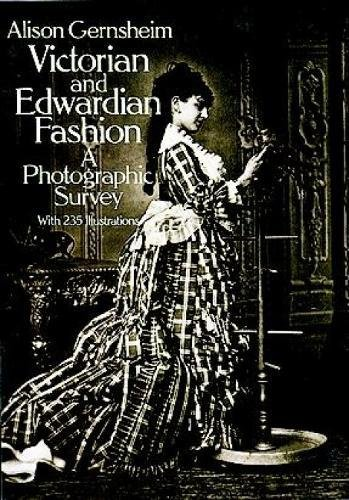 9780486242057: Victorian and Edwardian Fashion: A Photographic Survey