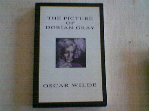 9780486454009: The Picture of Dorian Gray (Triangle Classics)