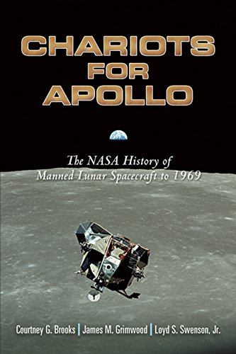 9780486467566: Chariots for Apollo: The NASA History of Manned Lunar Spacecraft to 1969 (Dover Books on Astronomy)