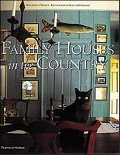 9780500019955: Family Houses in the Country