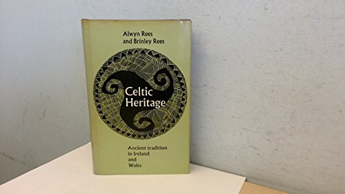 9780500110089: Celtic Heritage: Ancient Tradition in Ireland & Wales
