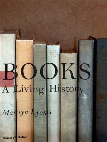 9780500251652: Books: A Living History