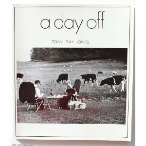 9780500270349: Day Off: An English Journal