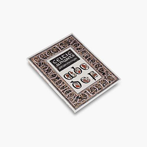 9780500279809: Celtic Alphabets (Celtic Design)