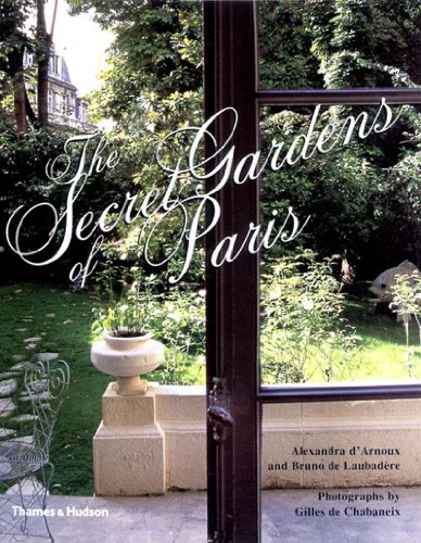 9780500510179: Secret Gardens of Paris