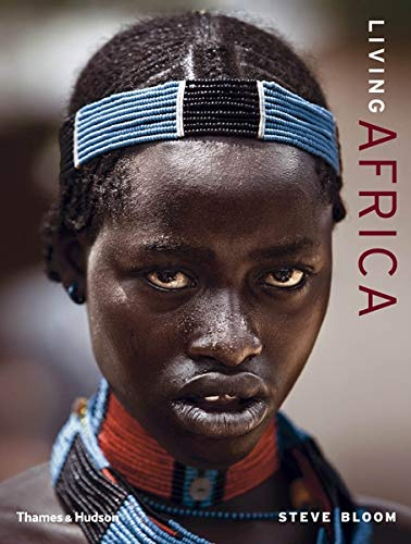 9780500514276: Living Africa