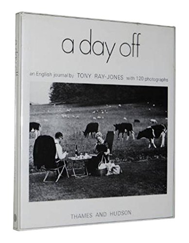 9780500540121: A Day Off: An English Journal