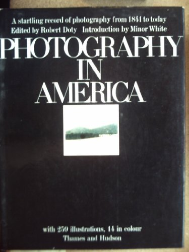 9780500540244: Photography in America.