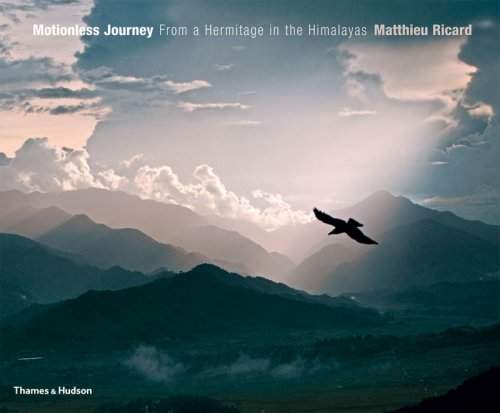 9780500543528: Motionless Journey: From a Hermitage in the Himalayas
