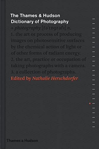 9780500544471: The Thames & Hudson Dictionary of Photography