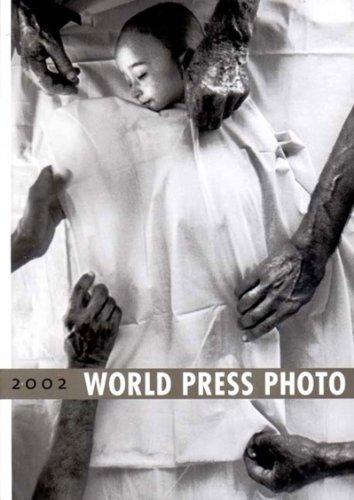 9780500976142: World Press Photo Yearbook 2002