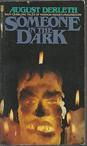9780515047387: Someone in the Dark