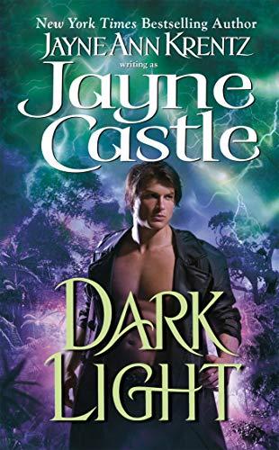 9780515145199: Dark Light (Ghost Hunters Novel)