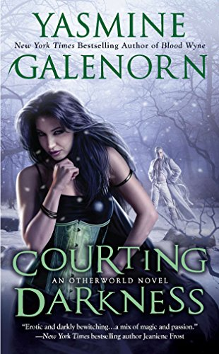 9780515150070: Courting Darkness (Sisters of the Moon 10)