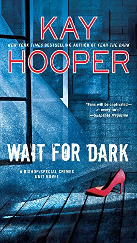 9780515156041: Wait For Dark (A Bishop/Special Crimes Unit)