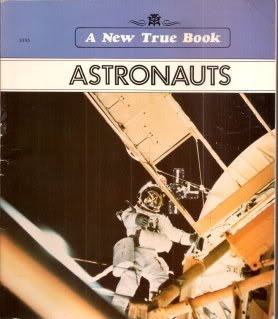9780516417226: Astronauts (New True Books: Space (Paperback))