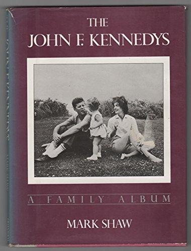 9780517424001: The John F. Kennedys: A Family Album
