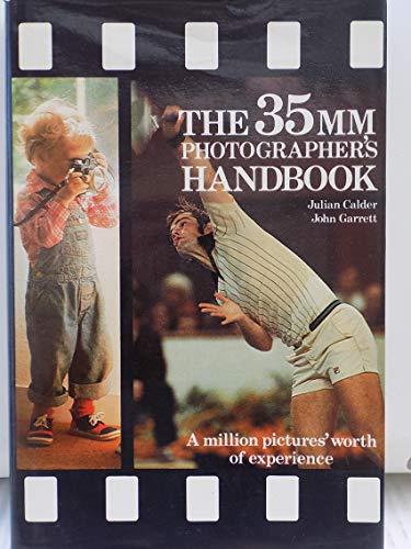 9780517551240: The 35mm Photographers Handbook