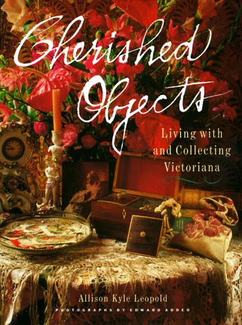 9780517574355: Cherished Objects