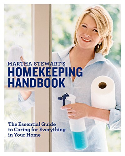 9780517577004: Martha Stewart's Homekeeping Handbook: The Essential Guide to Caring for Everything in Your Home