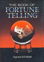 9780517647301: Book Of Fortune Telling