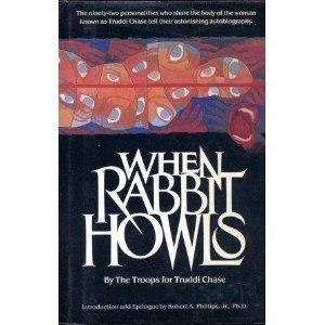 9780517692783: When Rabbit Howls
