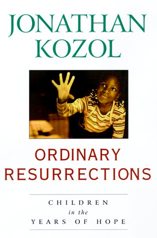 9780517700006: Ordinary Resurrections