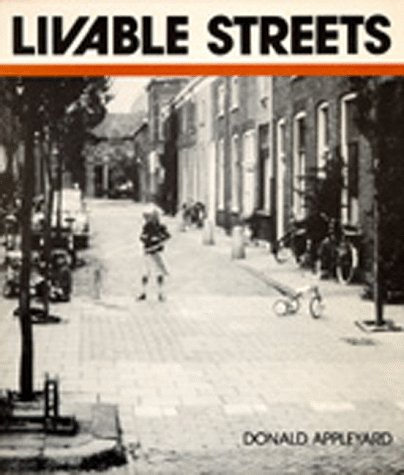 9780520047693: Livable Streets