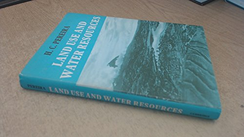 9780521086776: Land Use and Water Resources
