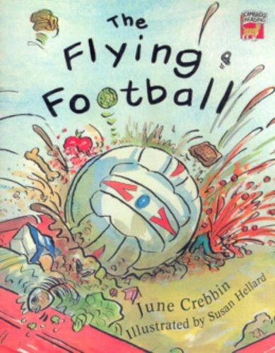 9780521559317: The Flying Football (Cambridge Reading)
