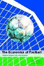 9780521661584: The Economics of Football