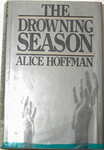 9780525095774: The Drowning Season