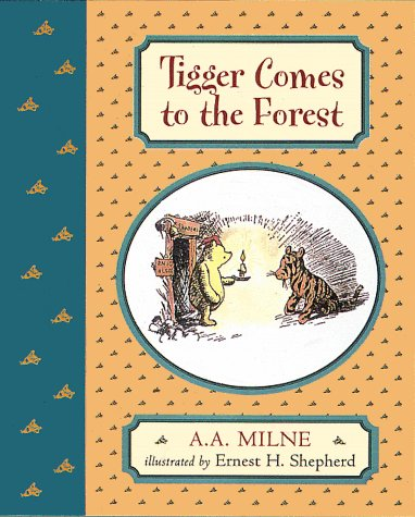 9780525462712: TIGGER COMES TO THE FOREST, Deluxe Picture Book (Winnie-the-Pooh)