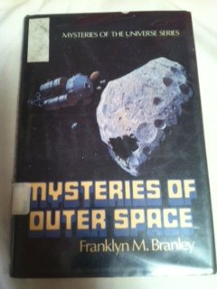 9780525671497: The Mysteries of Outer Space: 2 (Mysteries of the Universe)