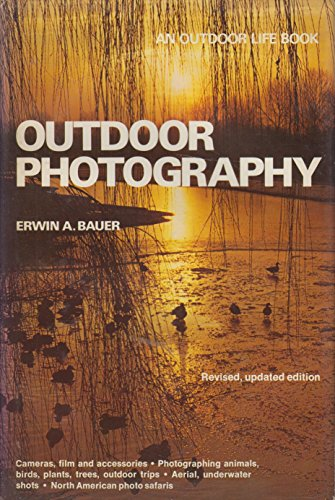 9780525930945: Outdoor Photography (Updated)
