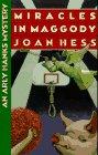 9780525940517: Miracles in Maggody (Arly Hanks)
