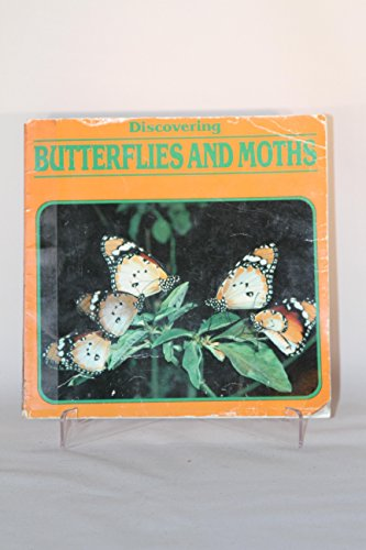 9780531183649: Discovering Butterflies and Moths (Discovering Nature)