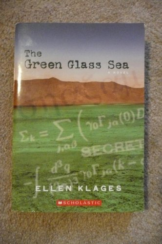 9780545036139: The Green Glass Sea