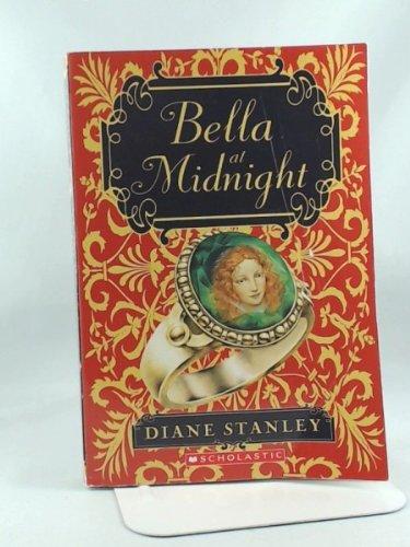9780545039000: Bella At Midnight