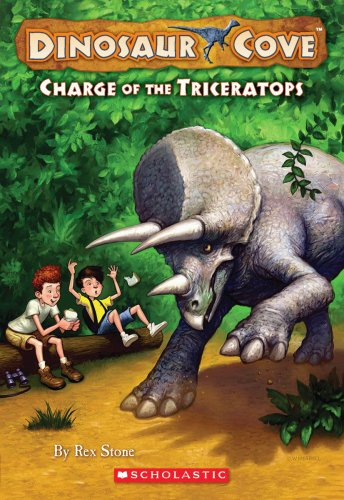 9780545053785: Dinosaur Cove #2: Charge of the Triceratops