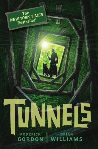 9780545078818: Tunnels (Book 1)