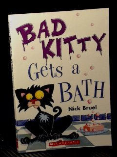 9780545162135: Bad Kitty Gets a Bath