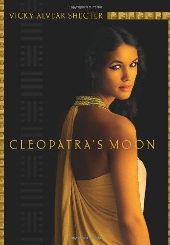 9780545221306: Cleopatra's Moon
