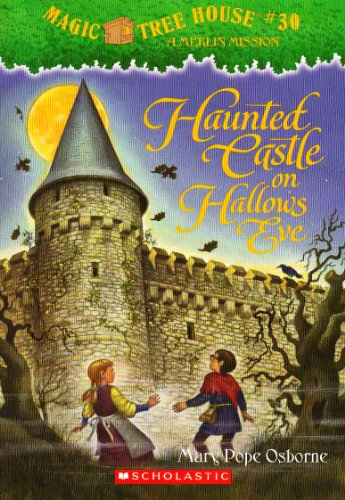 9780545289887: Haunted Castle on Hallows Eve (Magic Tree House, #30)