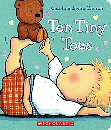 9780545536011: Ten Tiny Toes