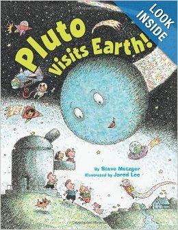 9780545554664: Pluto Visits Earth