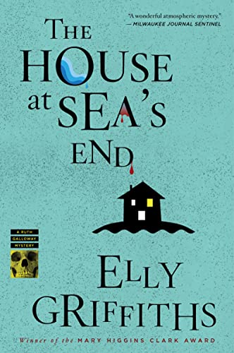 9780547844176: The House at Sea's End (Ruth Galloway Mysteries)
